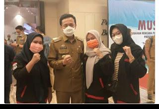 PJ Walikota Makassar Bahasa Indonesia Alat Pemersatu Bangsa