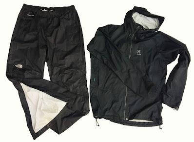 Skalkläder, regnkläder för vandring
