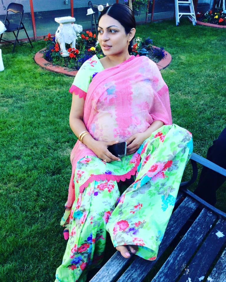 Neeru Bajwa In Punjabi Suits Neeru Bajwa HD Wallpap...