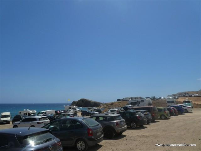 aparcamiento en playas de Cabo de Gata