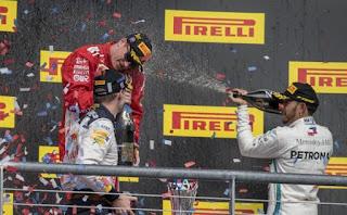 FÓRMULA 1 - Raikkonen vuelve a lo más alto del podio 4 años después, dejando a Hamilton aún sin el título