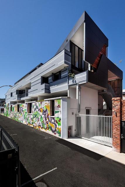 Ngắm nhà đẹp ngập tràn cây xanh của đôi bạn trẻ người Úc