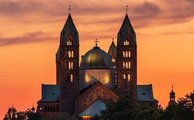 Download RPP 1 Lembar Agama Katolik Kelas VIII | Bentuk Pelayanan Gereja sebagai Paguyuban