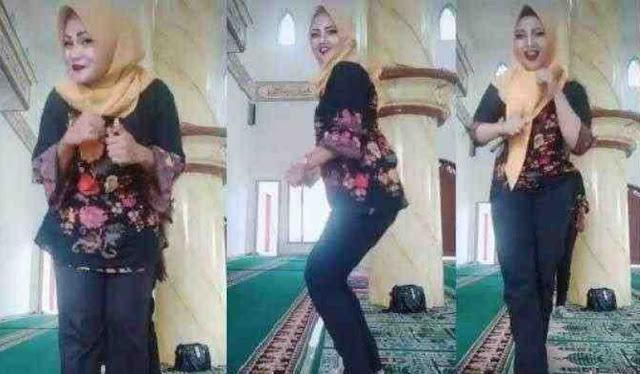 Tak Beradab Ibu-Ibu Joget Ala Tiktok di Dalam Masjid