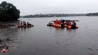 ganpati-visarjan-boat-colapsed-bhopal