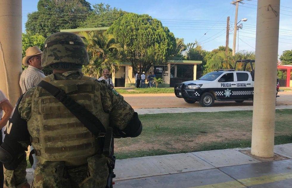 Fuerte balacera entre policías y convoy de encapuchados que rafaguearon a un ganadero dentro de su vivienda en Veracruz