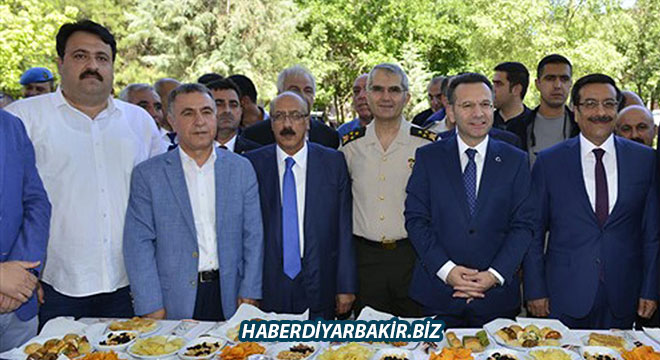 Vali Hüseyin Aksoy, Diyarbakır'dan ayrılıyor