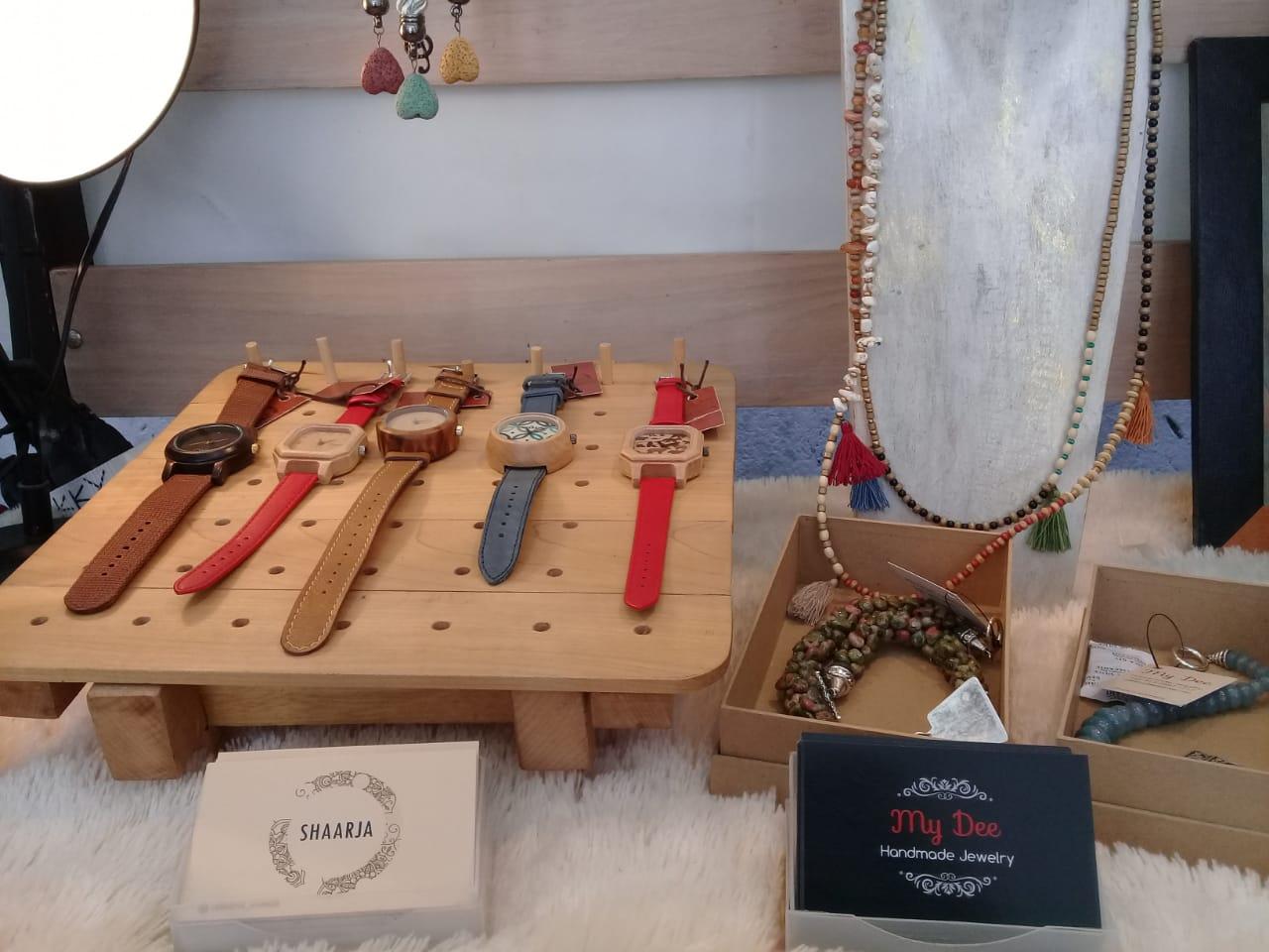 Jam tangan produk UMKM