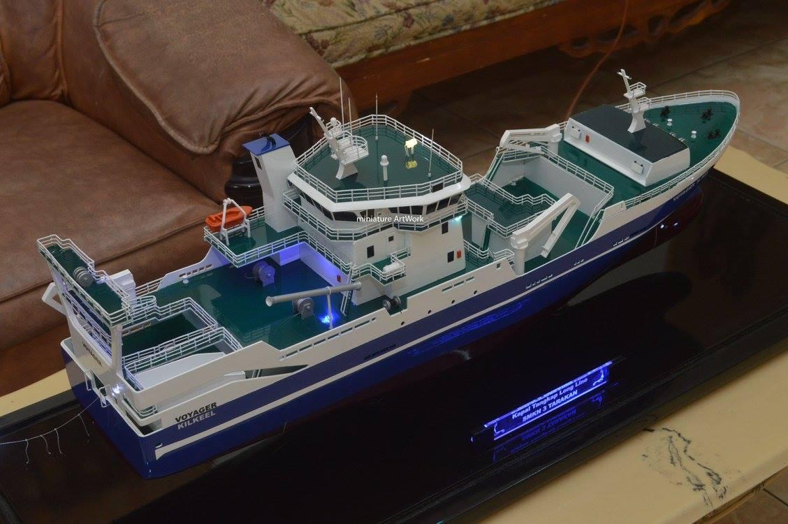 desain sketsa miniatur kapal penangkap ikan voyager kilkeel fishing trawler long line n905 jakarta surabaya