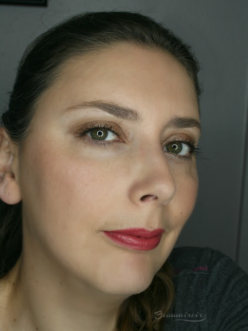 Wearing Beige Vintage fotd motd lip swatch full face