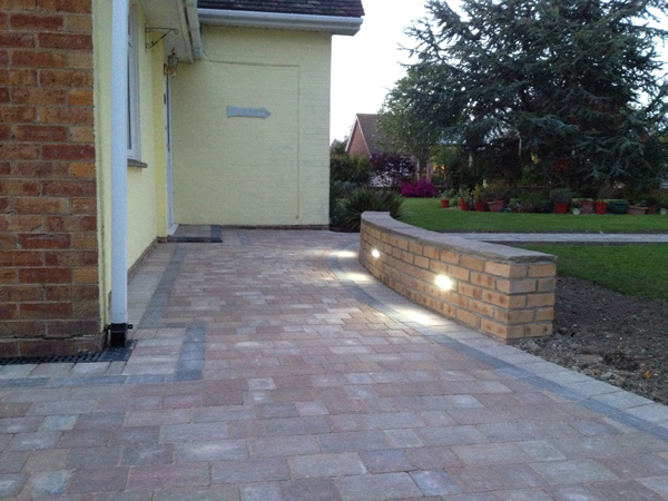 Lanai lights best outdoor led driveway lights and turtle for How to install driveway lights
