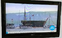 Bildet fra TV'en viser  polarskipet Maud på NRK2. Gjengitt av GJN.