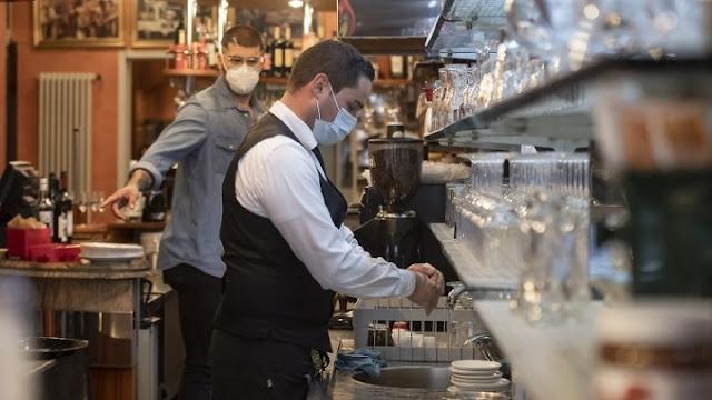 Εργασιακό νομοσχέδιο: Τι είναι οι υπερωρίες και τι η διευθέτηση του χρόνου εργασίας
