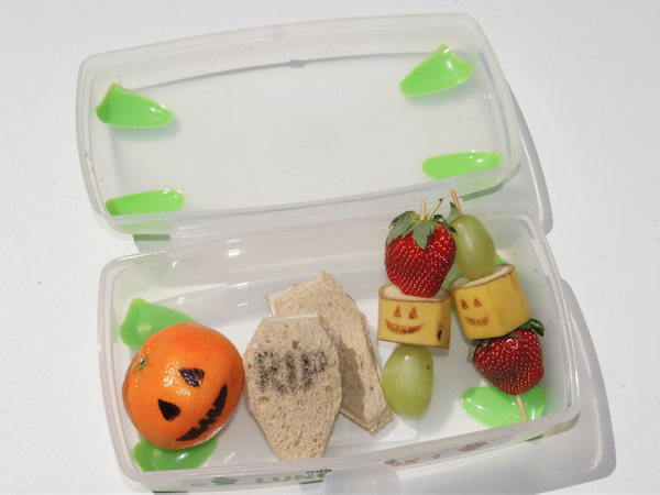 SPOOKTOBER SERIES// 3 Spooktastic Lunchbox Ideas Made Easy