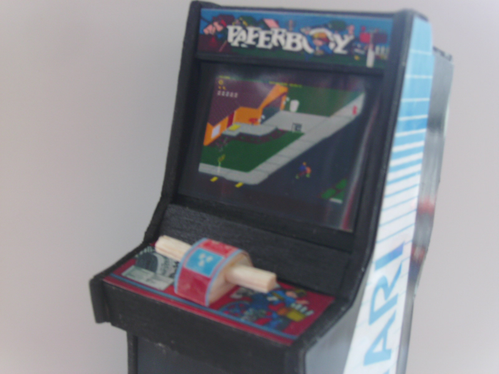 Retro Heart Paperboy Scale Arcade Model