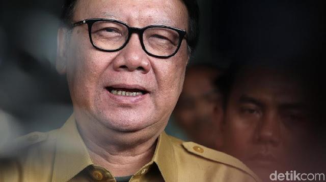 Risma Keberatan THR Pakai APBD, Mendagri: Apa Surabaya Miskin?
