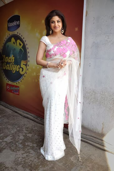 Shilpa Shetty Looks Gorgeous in Classic Pink & White Saree At Nach Baliye