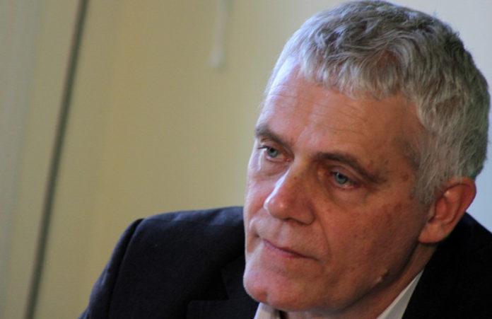 Τι είπε ο άνθρωπος; Βουλευτής ΣΥΡΙΖΑ – Το Καστελόριζο δεν ανήκει στο Αιγαίο! Βίντεο