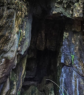 http://www.teluklove.com/2017/03/destinasti-keindahan-wisata-goa-langir.html