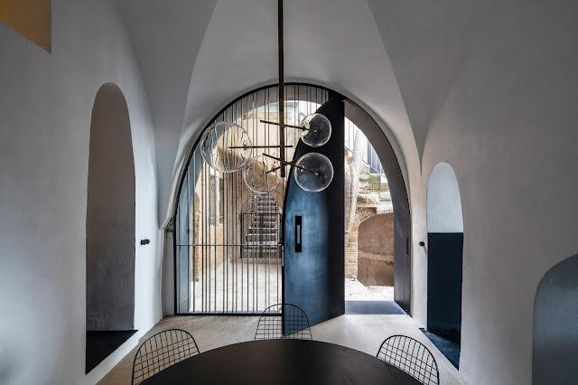 Nom d 39 une maison sous les arches berenice big for Nom architecte