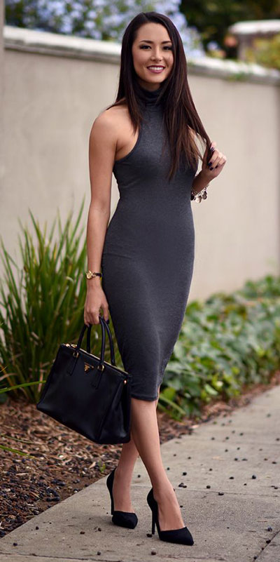 Need Style Inspiration for Fall Season. See these 31 Most Popular Fall Outfits to Truly Feel Fantastic. Fall Style via higiggle.com | bodycon dress | #fall #falloutfits #dress #bodycon