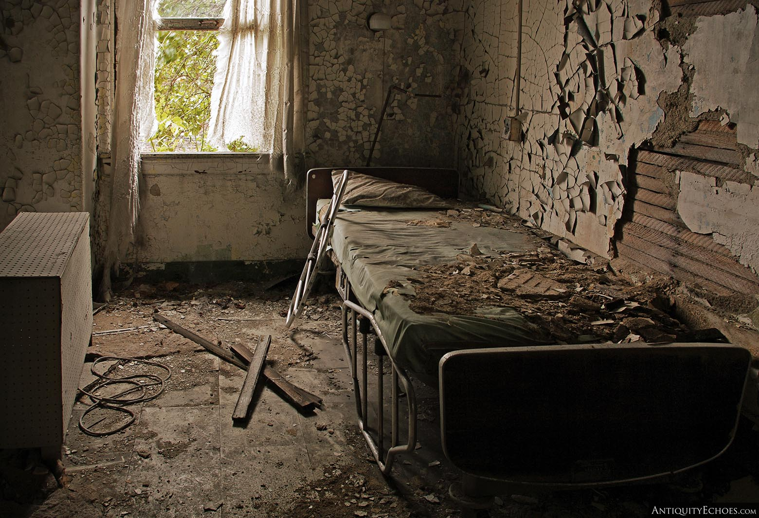 Brownsville General Hospital - Patient Bedroom Covered in Filth