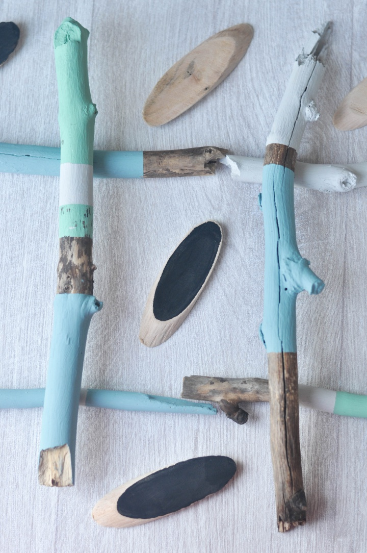 quick and easy DIY:  Driftwood TicTacToe