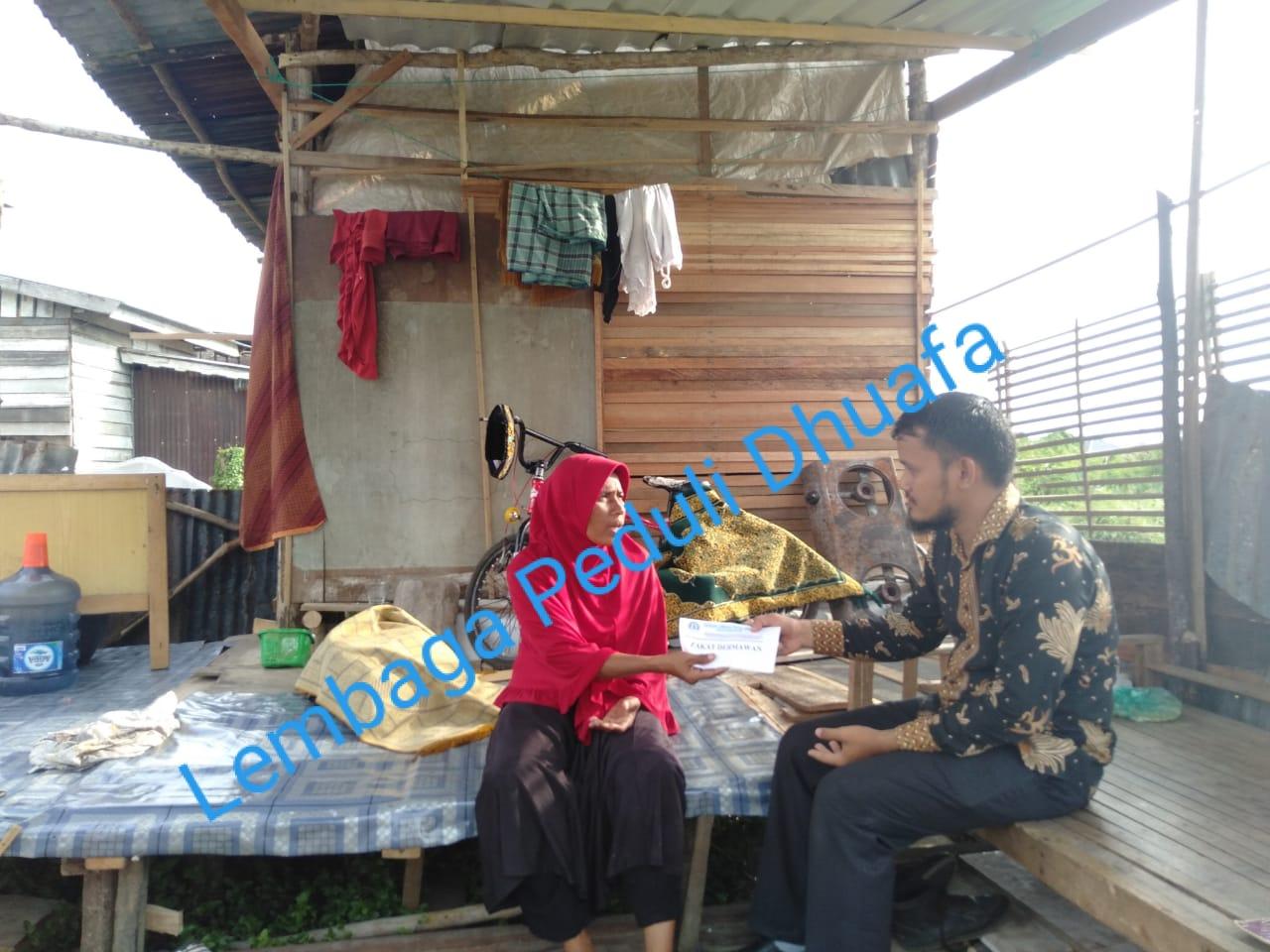 Lembaga Peduli Dhuafa Bantu Modal Usaha Dhuafa, Ibu yang memiliki  tanggungan 4 anak Yatim, Kota Lhokseumawe