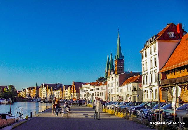 Lübeck, Alemanha - passeio à beira do Rio Trave