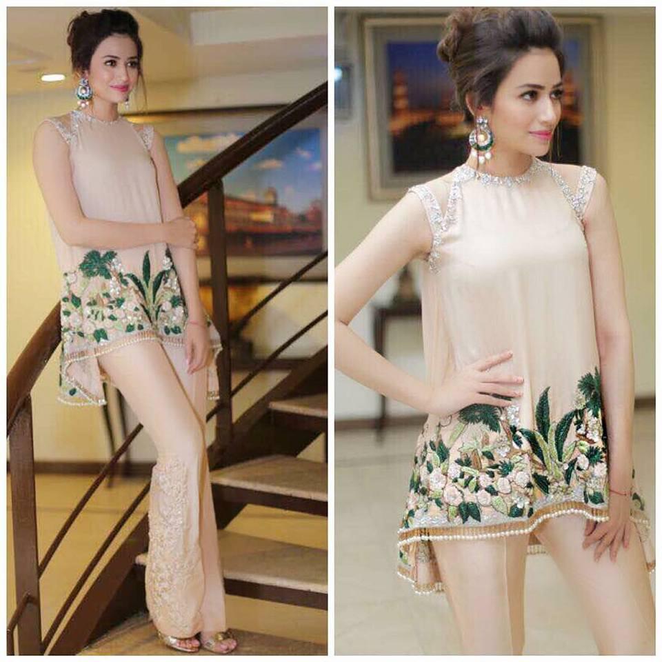Fashion Freak: Sana Javed Pics