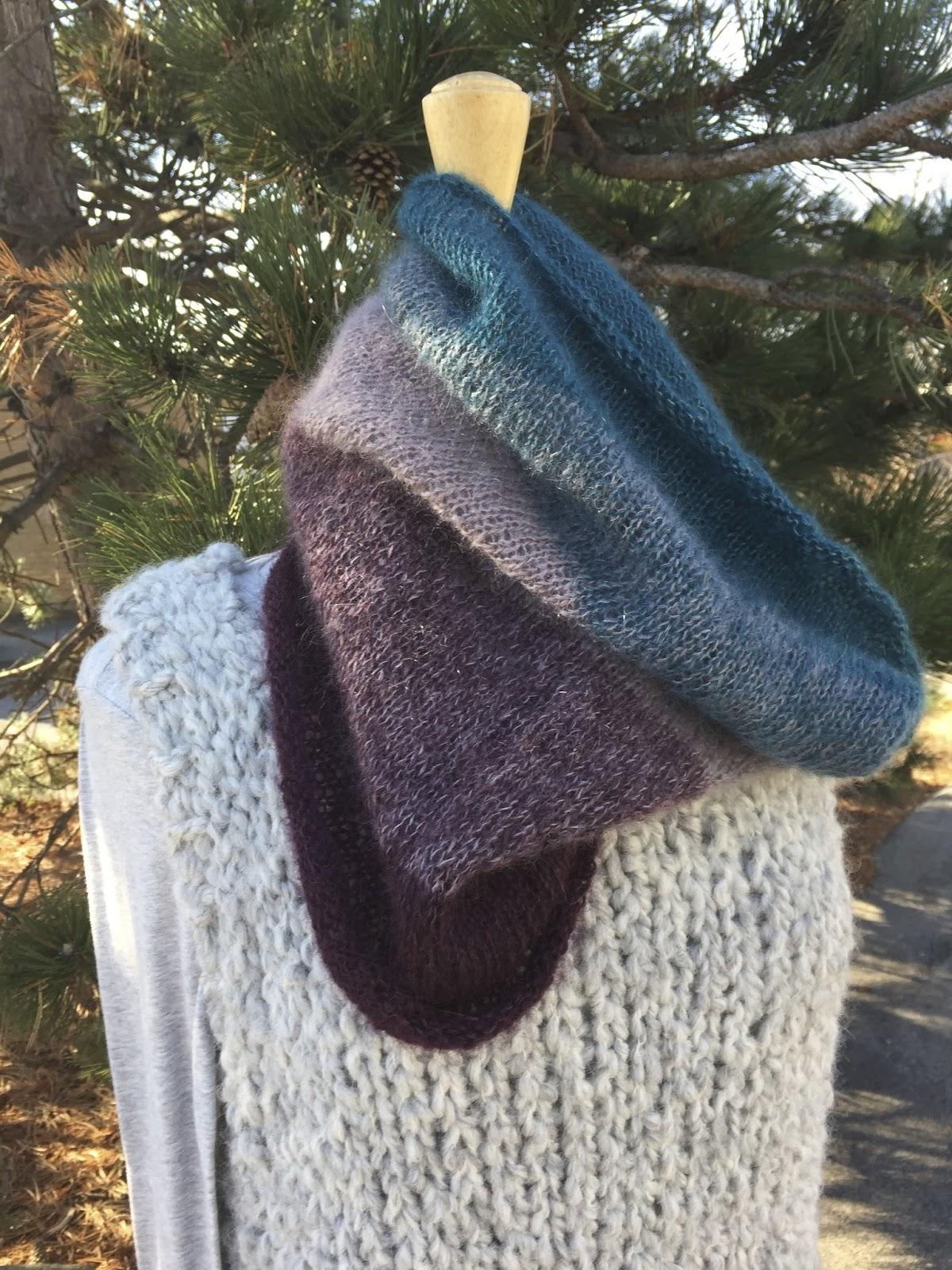A Really Good Yarn: Ombre Cowl Hood