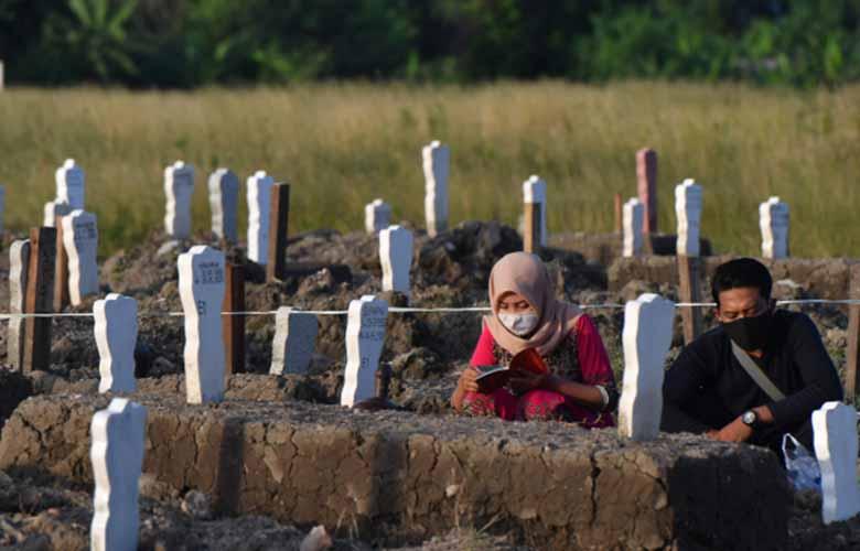 pemakaman kasus covid surabaya