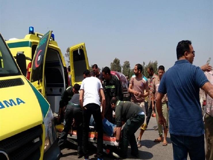 بالأسماء.. إصابة 19 شخصًا في حادث تصادم بالبحيرة