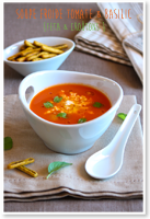 http://moi-gourmande.blogspot.fr/2015/08/soupe-froide-tomate-basilic-feta-coutons.html