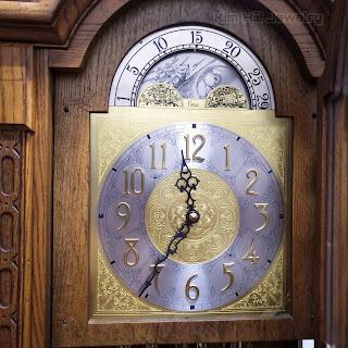 đồng hồ tủ Colonial