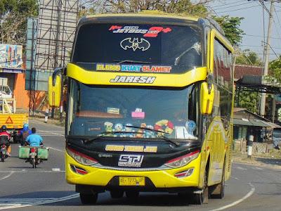 Foto Bus Sudiro Tungga Jaya Jaresh