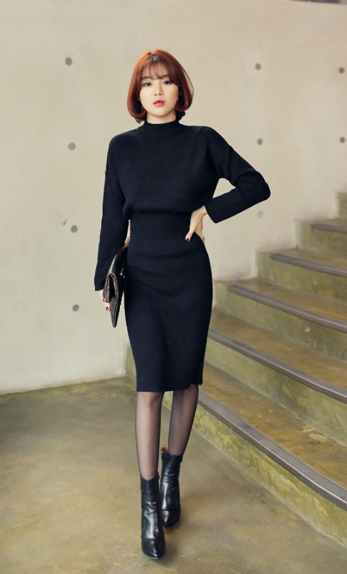 Ribbed Knit Sheath Dress