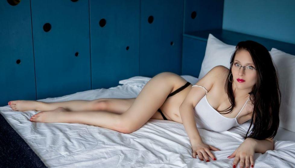 AmberDean Model GlamourCams