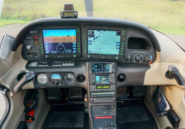 Cirrus SR20 cockpit