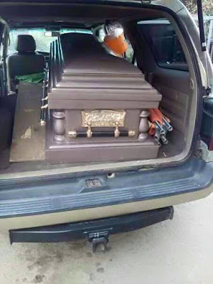 dede one day body in coffin