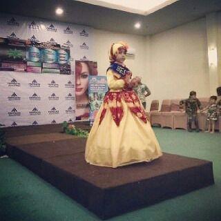baju-muslim-sasirangan-fashion-show-anak