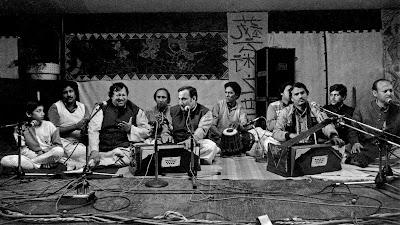 Lyrics Rakhshinda Tere Hussan Say Nusrat Fateh Ali Khan