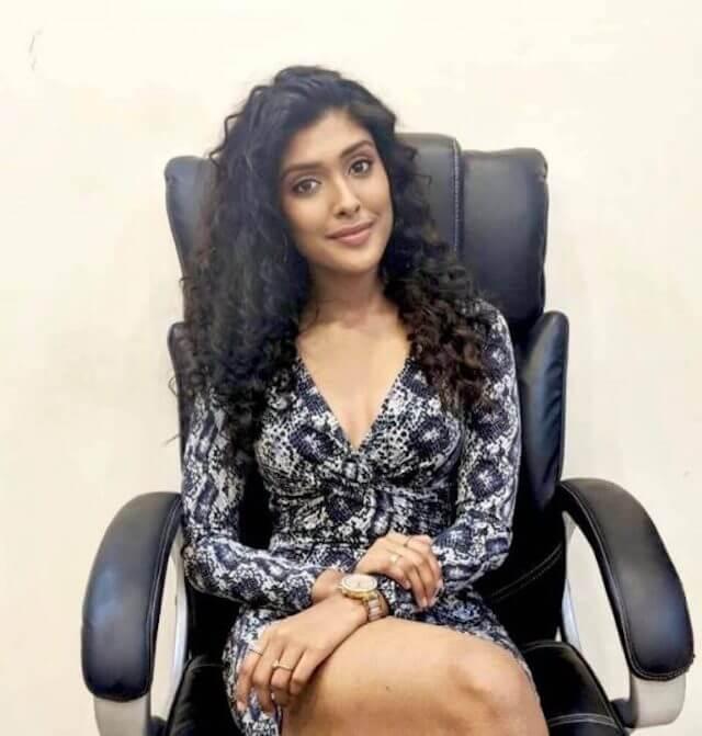 Survivor Tamil contestant Gayathri Reddy