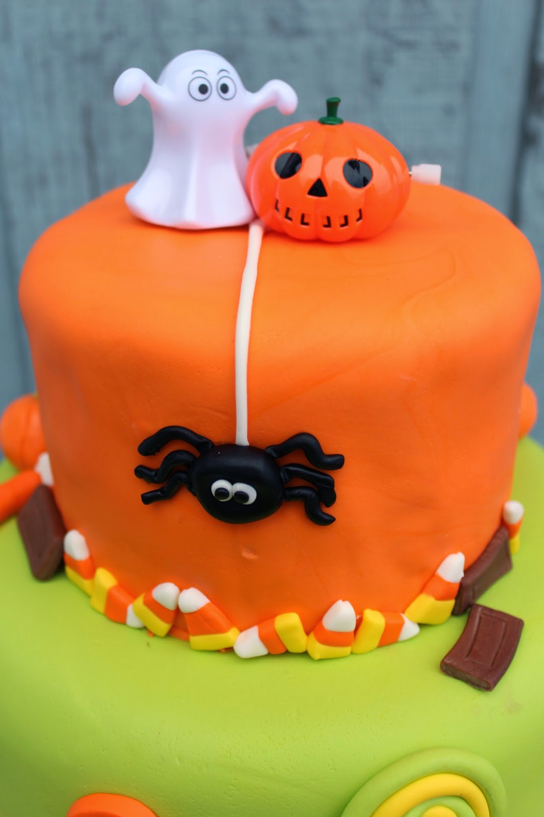 Cakes And Cookies Twins Halloween Birthday Cake