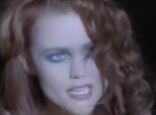 videos-musicales-de-los-90-belinda-carlisle-la-luna