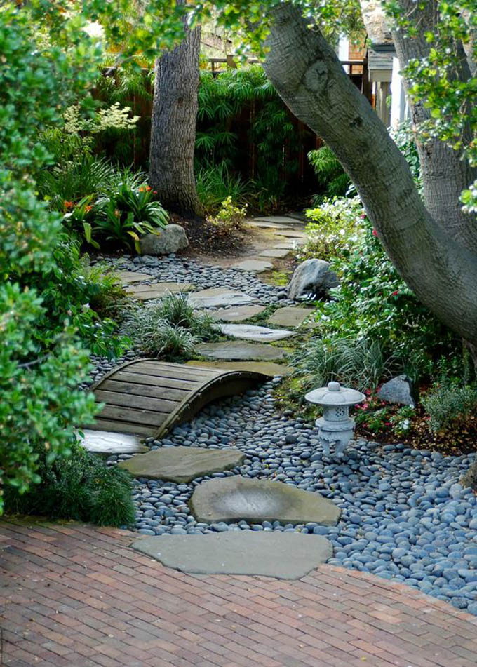 pebbles with stepping stones - Diy Garden Path Ideas
