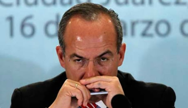 Felipe Calderón tunde al mediocre de  AMLO por no usar cubrebocas durante reunión con la vicepresidenta de E.U