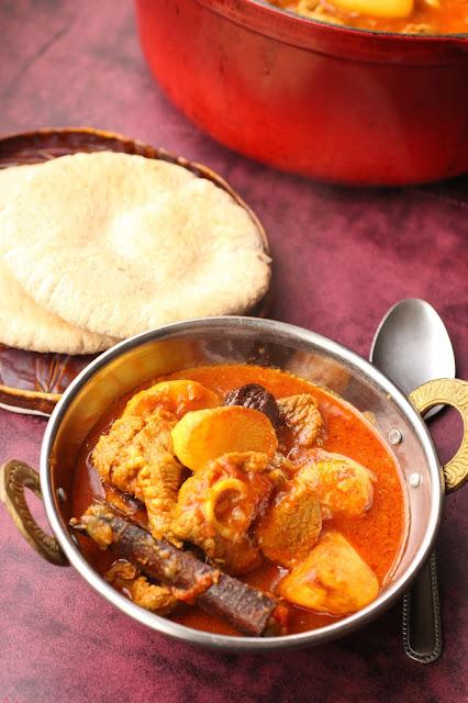 curry agneau cardamome noire