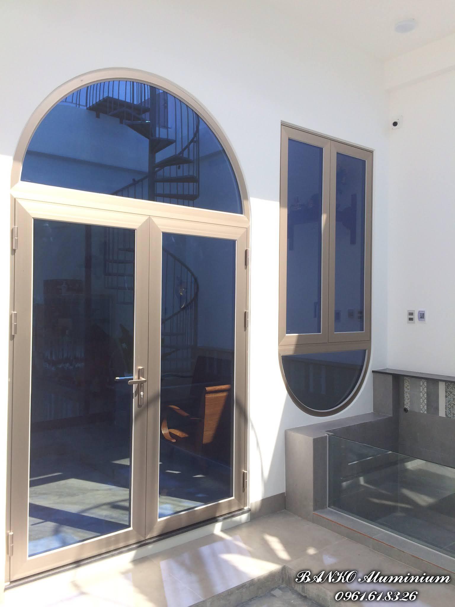 Cửa đi + cửa sổ bật Sảnh chính Nhôm Hondalex