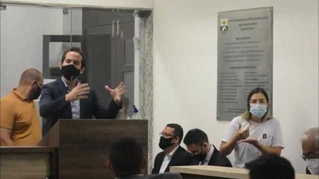 Em primeira sessão da Câmara de Vitória em 2021, André Carvalho se preocupa com as invasões de áreas pública